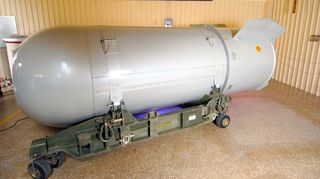 B53_bomb_wide