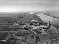 350px-Hanford_N_Reactor_adjusted