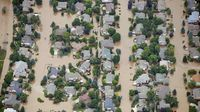 2013-09-14T024215Z_193094469_TM4E99D1QTG01_RTRMADP_3_USA-COLORADO-FLOODING